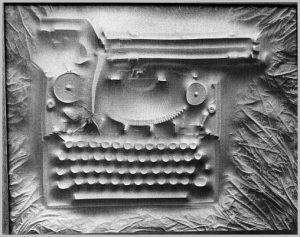 Volker Bussmann Künstler Kunst Relief Hommage Schreibmaschine