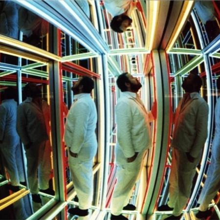 Volker Bussmann Künstler Kunst Preview Installation Spiegelkabinet